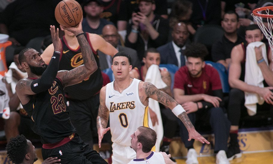 Cleveland Cavaliers vs Los Angeles Lakers