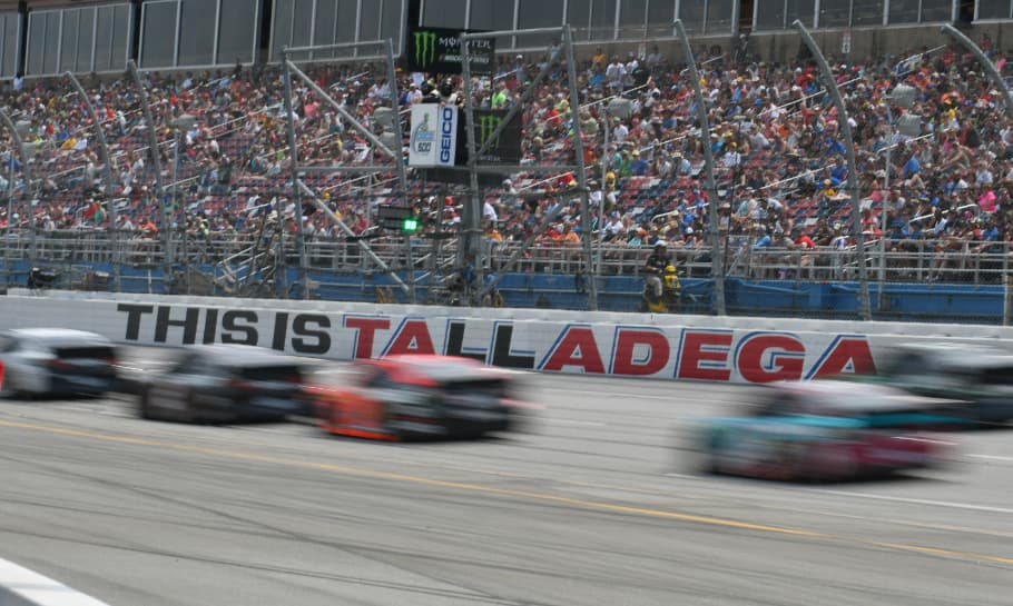 Top 10 Fastest NASCAR Cup Series Tracks in 2019