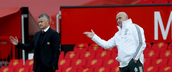Manchester United off to Sticky Start as Fan Unrest Surrounds Disappointing Transfer Business