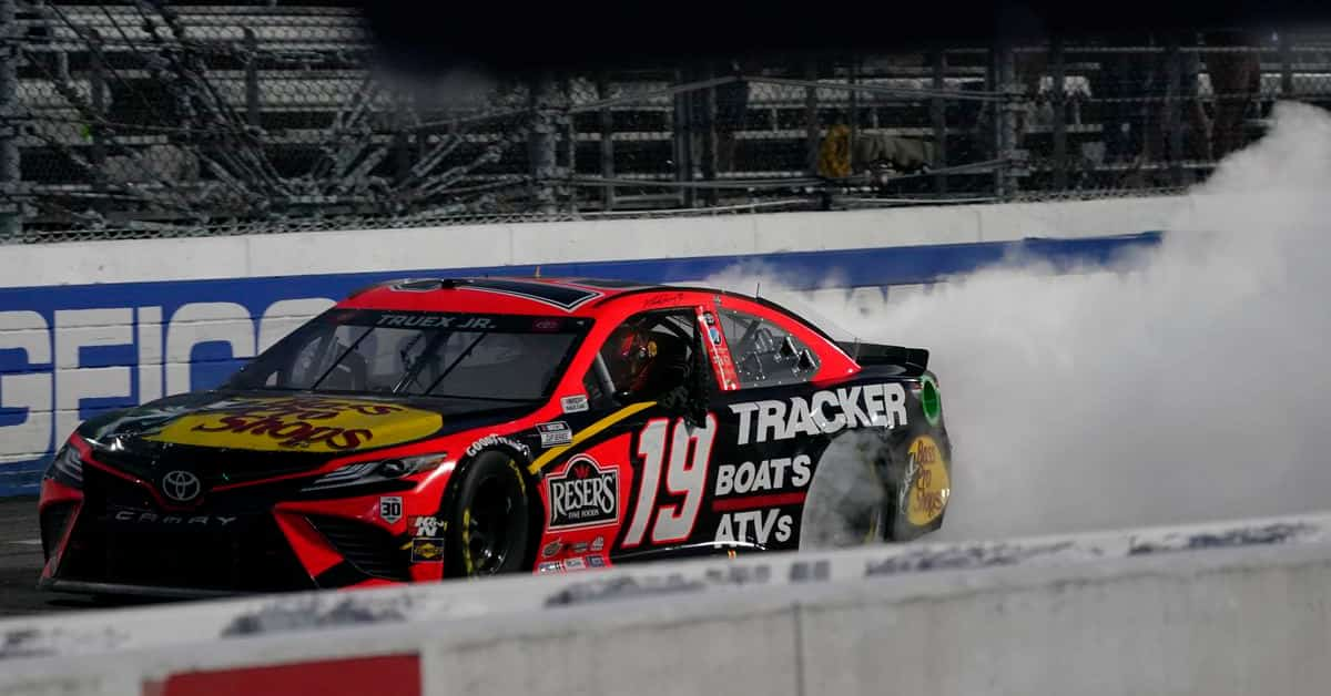 Toyota Owners 400 (Cup Series) Predictions & Odds