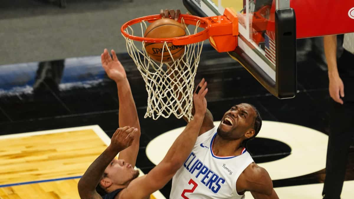 Los Angeles Lakers vs LA Clippers Predictions, Betting Odds, Picks, Moneyline