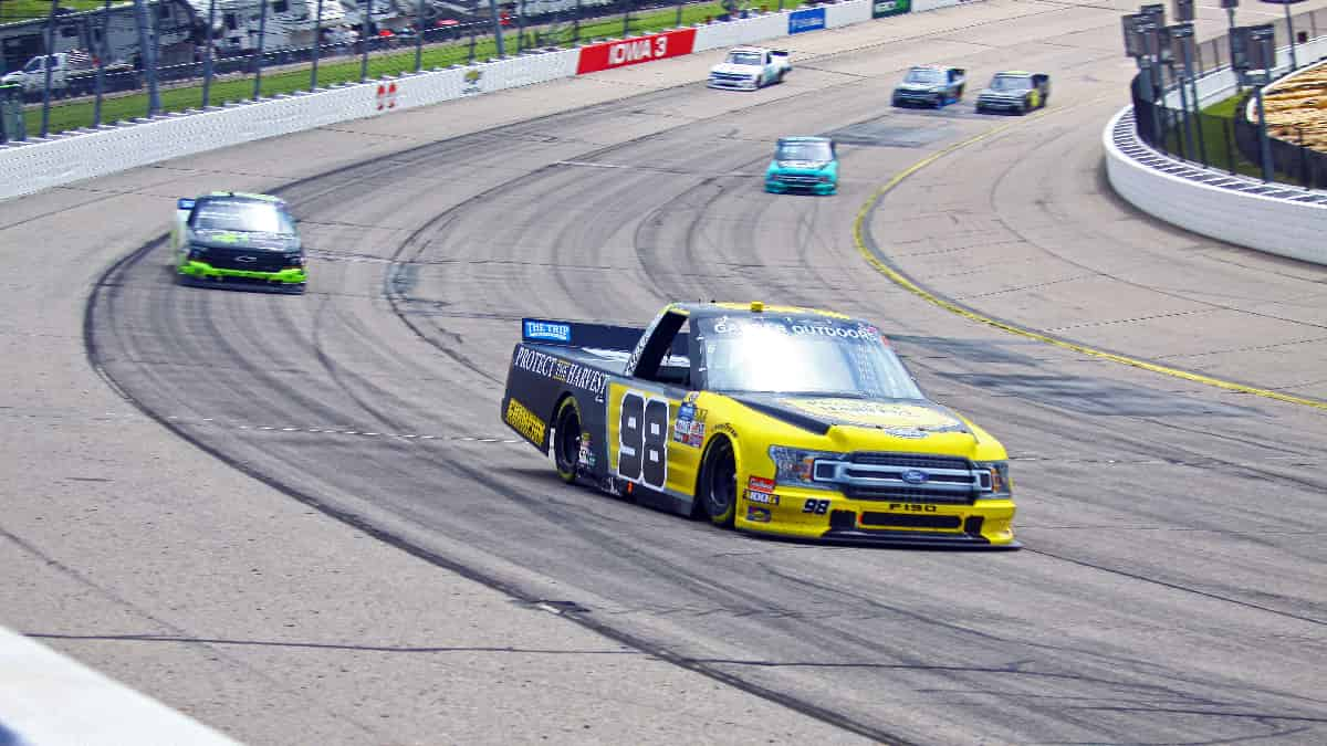 Rackley Roofing 200 (Camping World Truck Series) Predictions, Betting Odds & Picks